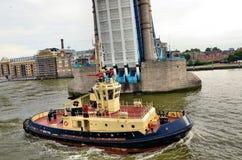 łodzi tow Fotografia Royalty Free