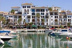 łodzie Costa De Duquesa portowych cumowali jachtów Hiszpanii Fotografia Royalty Free