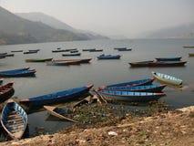 łodzie folowali jezioro Obrazy Royalty Free