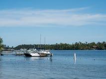 Łodzie na Wschodnim Frajer jeziorze w Minnestoa Zdjęcia Stock