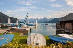 Łodzie na wysokogórskim jeziornym Wolfgangsee Zdjęcie Royalty Free