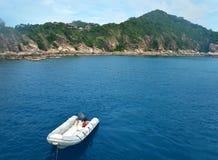 Łodzie ratunkowe na morzu przy Ko Tao, Chumporn Tajlandia Zdjęcie Royalty Free