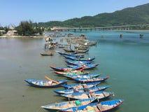 Łodzie rybackie przy jetty Obrazy Royalty Free