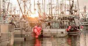 Łodzie rybackie przy marina obrazy royalty free