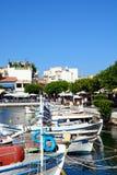 Łodzie rybackie w schronieniu, Agios Nikolaos Zdjęcia Royalty Free