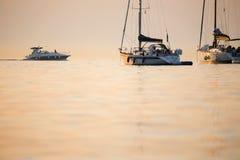 Łodzie sanchored w Adriatyckim morzu Fotografia Royalty Free
