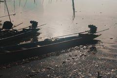 Łodzie w jeziorze Zdjęcia Stock