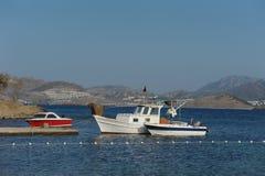 Łodzie w morze zatoce Obraz Royalty Free
