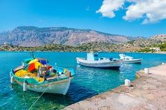 Łodzie w schronieniu greece symi Fotografia Royalty Free