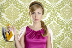 odzieżowego gospodyni domowej humoru żelaza retro rocznika kobieta Obraz Royalty Free