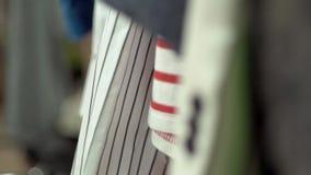 Odziewa na stojakach zdjęcie wideo