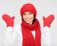 odziewa uśmiechniętych zima kobiety potomstwa Zdjęcia Stock