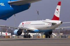 OE-LBO Austrian Airlines Airbus A320-200 se préparant au décollage de la piste Image stock