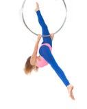 Oefening op de gymnastiek- ring Stock Fotografie
