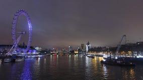 Oeil de Londres avec un affichage dynamique saisissant, fait sur commande pour Lumiere Londres 2018, appelé Eye Love Londres Vidé banque de vidéos
