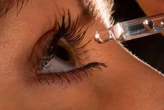 Oeil du `s de femme et eyedropper2 Image libre de droits