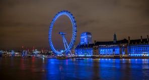 Oeil et County Hall de Londres Image stock