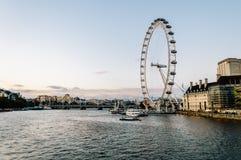 Oeil et paysage urbain de Londres de pont de Westminster Images stock