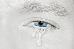 Oeil gauche bleu pleurant Photographie stock libre de droits