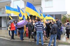 Oekraïeners in Cyprus tonen solidariteit stock foto's
