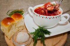 Oekraïense en Russische nationale rode borsjt Stock Afbeeldingen
