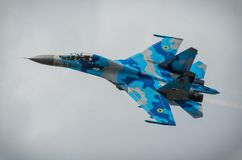 Oekraïense vertoning su-27 tijdens de Lucht van Radom toont 2013 Stock Foto's