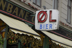 OEL BIER AND BEE Royalty Free Stock Image