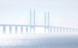 Oeresundsbridgen som ses från Skåne Sverige Arkivfoton