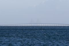 Oeresundsbroen entre Dinamarca e Sweden Imagens de Stock