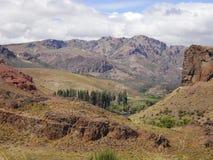 Oerhört berglandskap i Neuquén, Argentina arkivbild