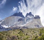 Oerhört vagga bildande av Los Cuernos i Chile. Arkivbilder