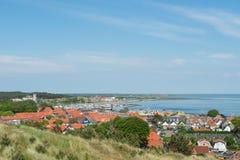 Oeste-Terschelling da vila na ilha de wadden do Dutch Imagens de Stock