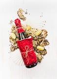 Oesters en wijn of op witte houten achtergrond Stock Afbeelding