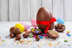 Oeuf de chocolat de Pâques image libre de droits