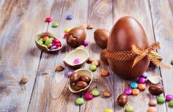 Oeuf de chocolat de Pâques photos stock