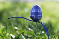 Oeuf de pâques bleu Photographie stock