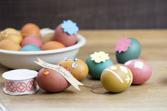 Oeuf de pâques décorant des outils Photographie stock