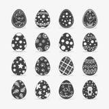 Oeuf de pâques dans le style blanc noir images stock