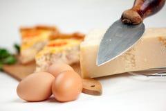 Oeuf et quiche Lorraine de fromage Images libres de droits