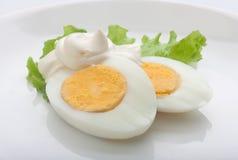 Oeufs à la coque avec la mayonnaise Images libres de droits
