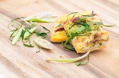 Oeufs au plat avec la feuille de banane Photos libres de droits