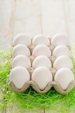 Oeufs blancs prêts à être décoré pour Pâques Photographie stock libre de droits