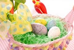 Oeufs colorés de Pâques Photos libres de droits