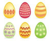 Oeufs colorés traditionnels d'isolement de Pâques Image stock