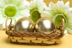 Oeufs d'or de Pâques Photographie stock
