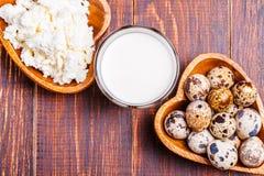 Oeufs de caille, fromage blanc, lait Photos libres de droits