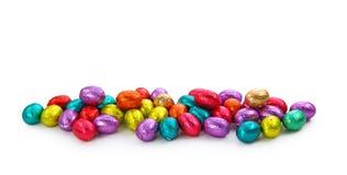 Oeufs de chocolat dans le clinquant Image stock