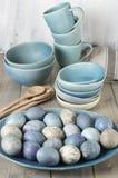 Oeufs de pâques bleus et gris photographie stock libre de droits