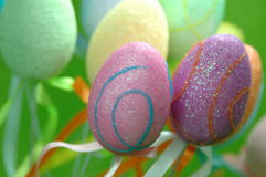 Oeufs de pâques colorés Photographie stock