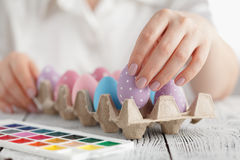 Oeufs de pâques colorés par pastel Images libres de droits